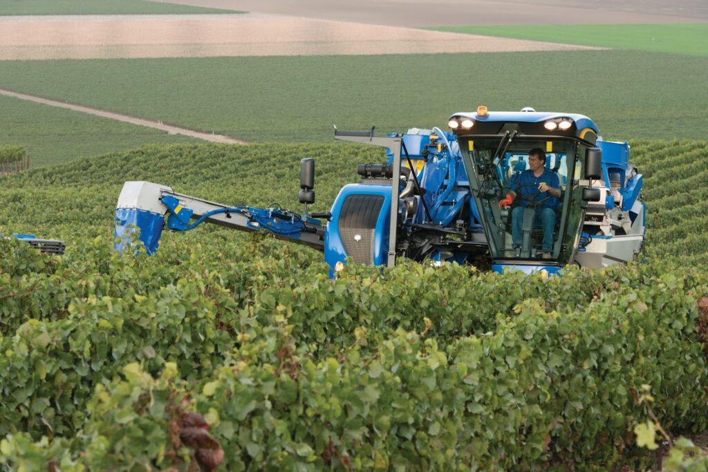 Innovations & Technologies for Large Vineyard Equipment